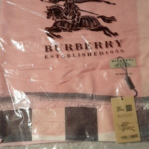 NWT Burberry Cashmere Scarf Tagged, Bagged
